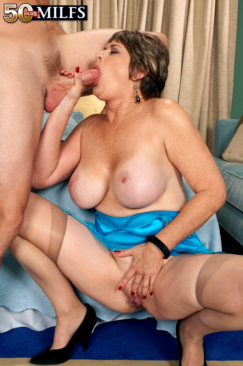 Lady mature gets a sticky creampie by rb