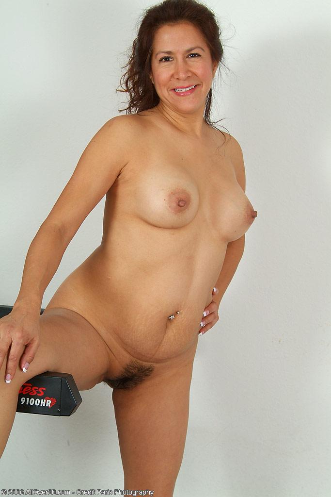 Skitten Sexy Brunette Naken