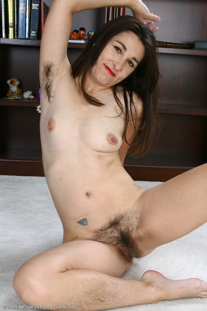 Pussy orgasm with an electronic toothbrush - 3 part 10