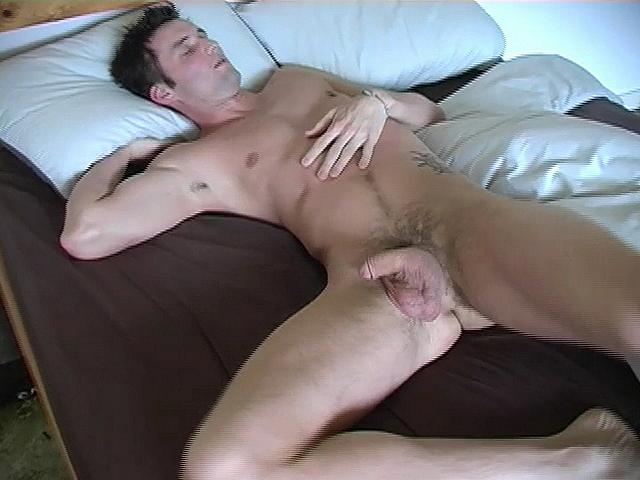 Amateur Straight Guys Review - GayDemon
