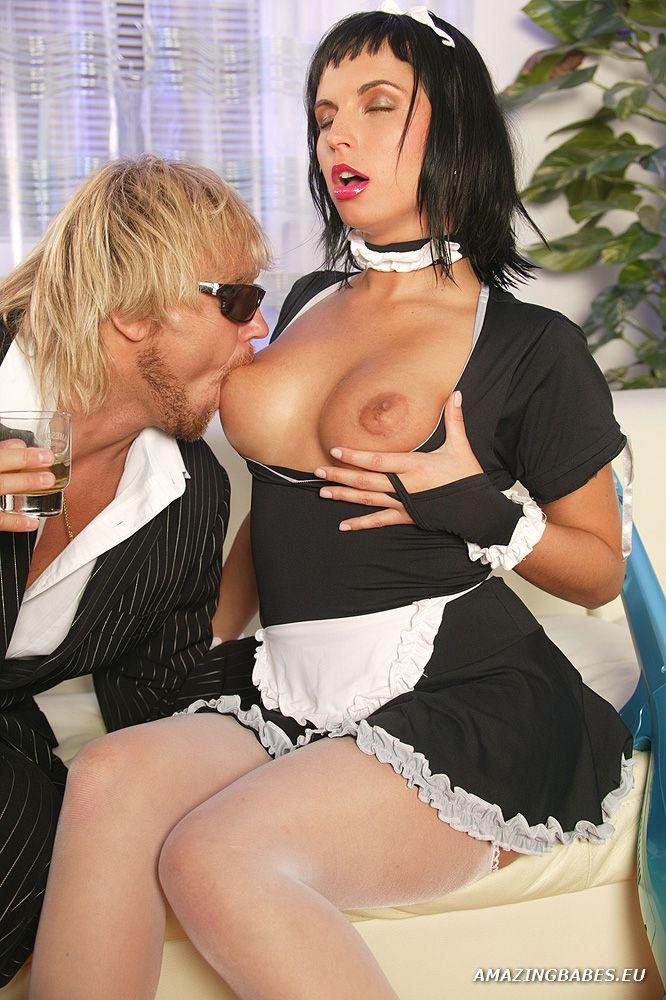 Amazing Babes / Renata Black