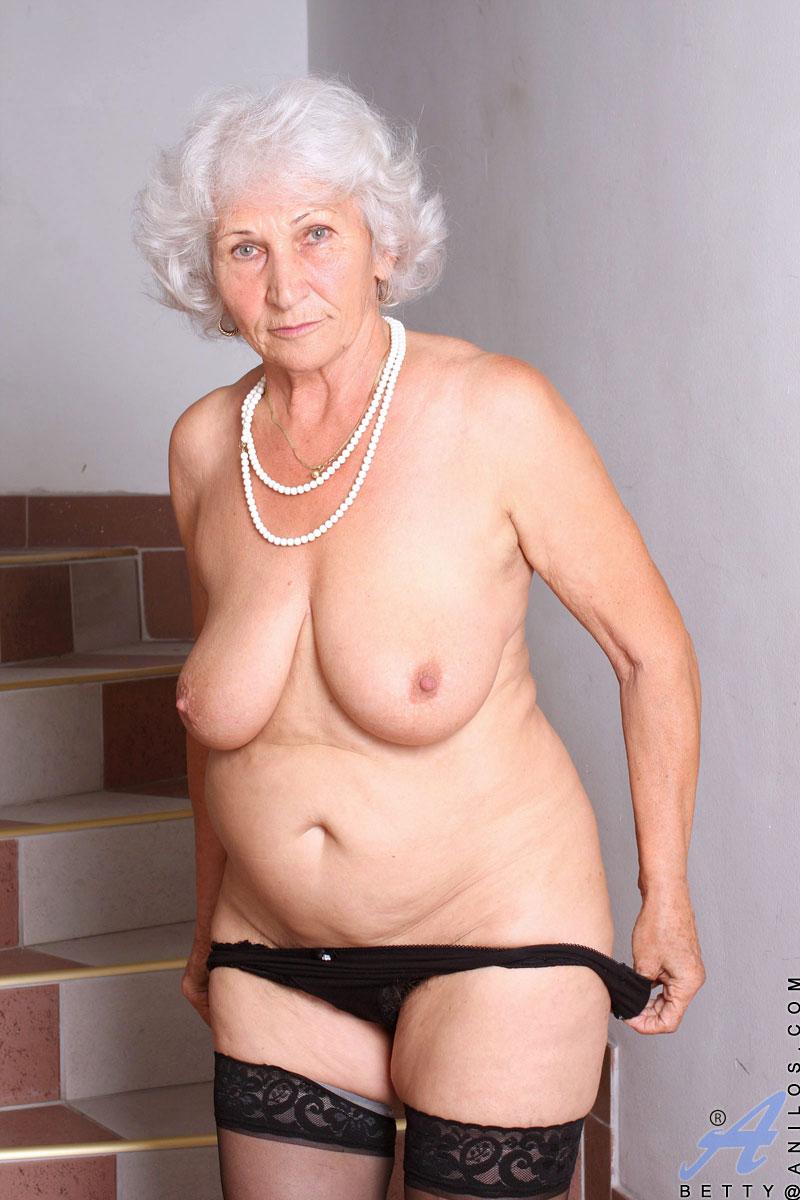 anilos granny Click here to visit Anilos.com