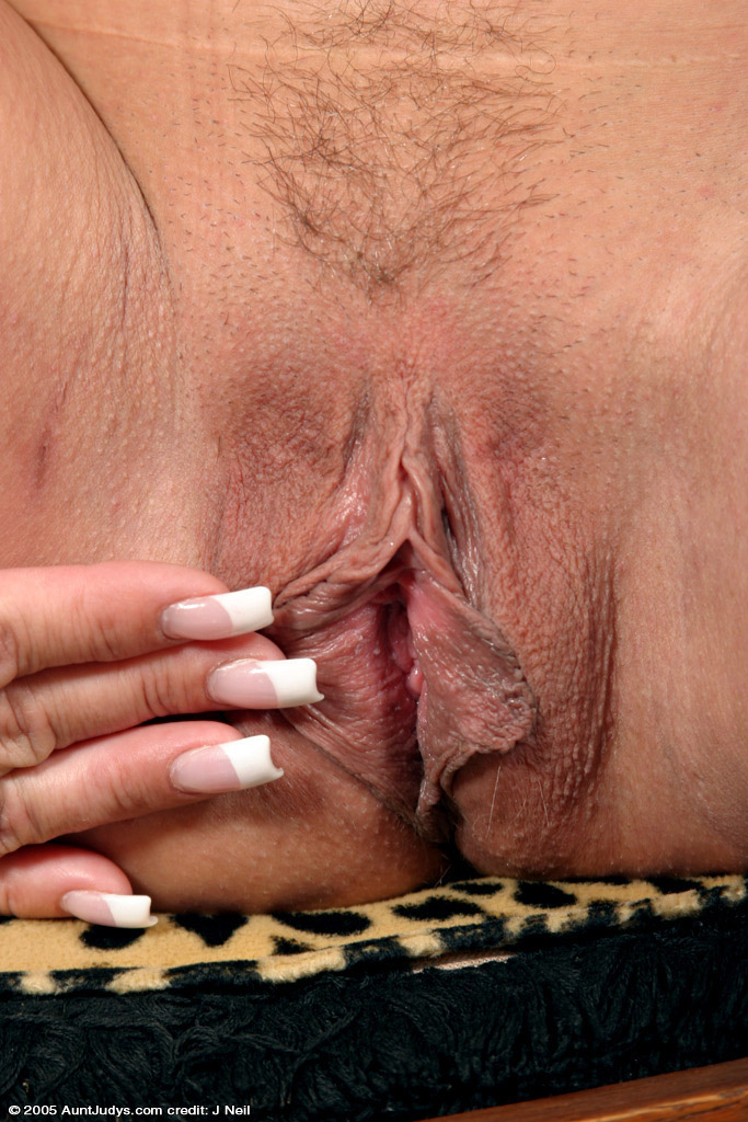The Mature blonde loose pussy more