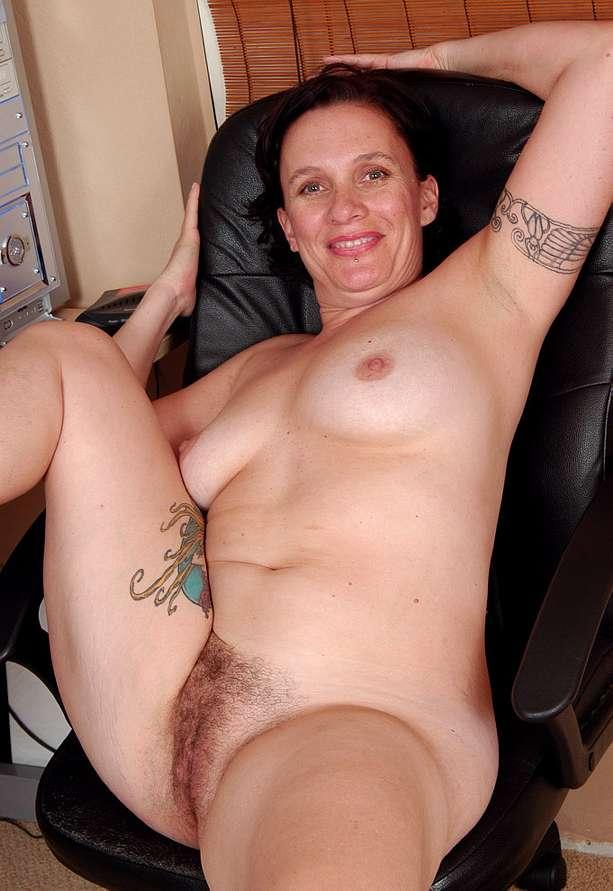 Mature Nude Beem
