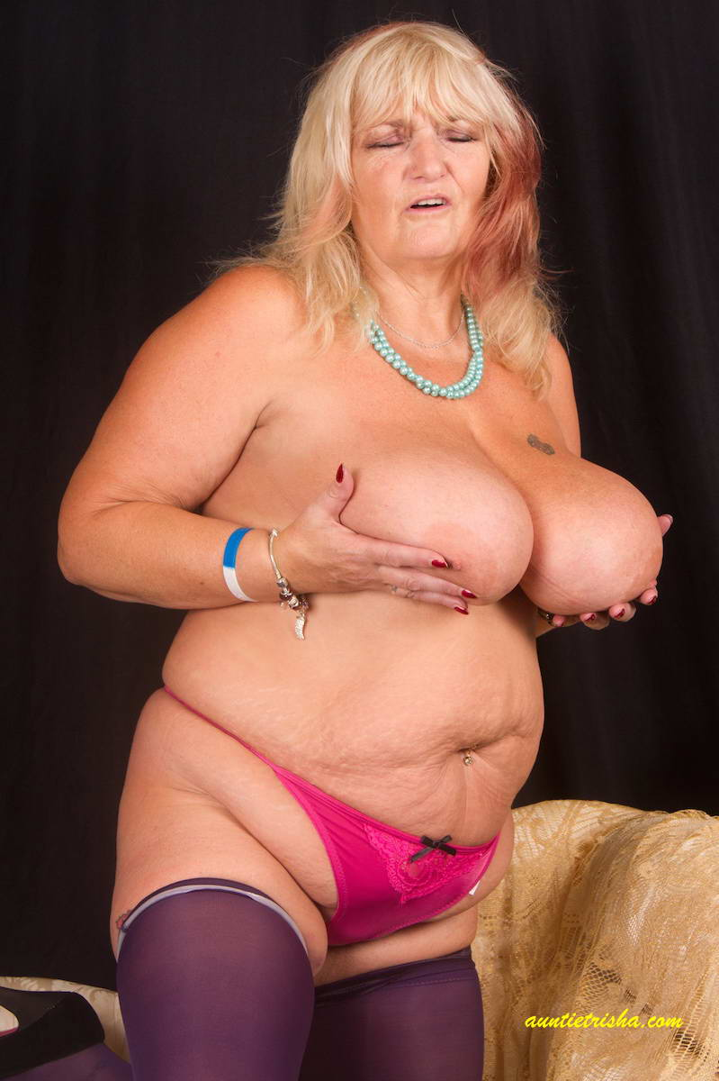 Old nanny old granny licking young pussy and fucking her wi - 1 9