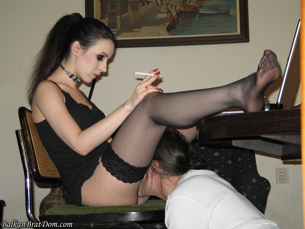 DeviantHardcore  Dom Femme Skin Diamond Taunts Submissive