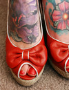 If you are a lover of tattoos you will like this charming tattooed gadget