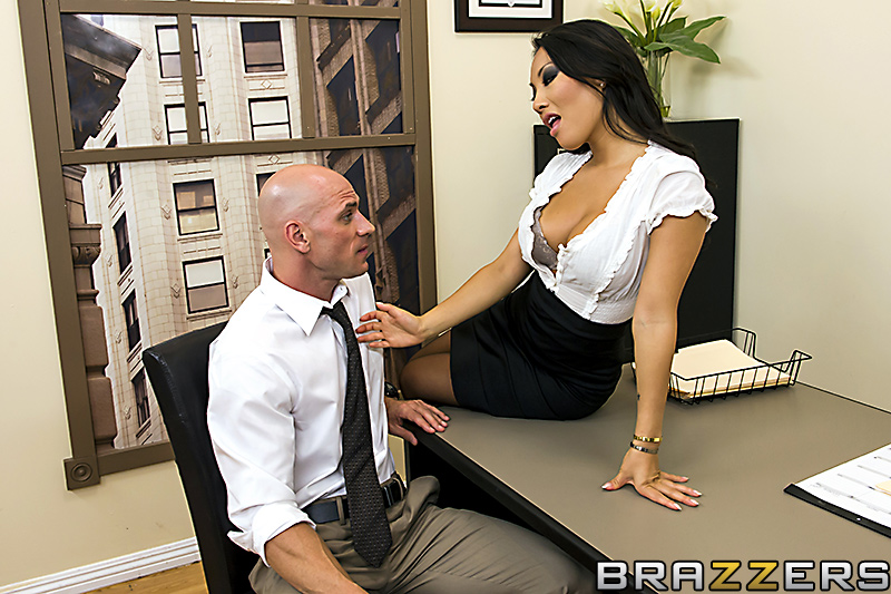 Big Tits At Work / Ava Lauren