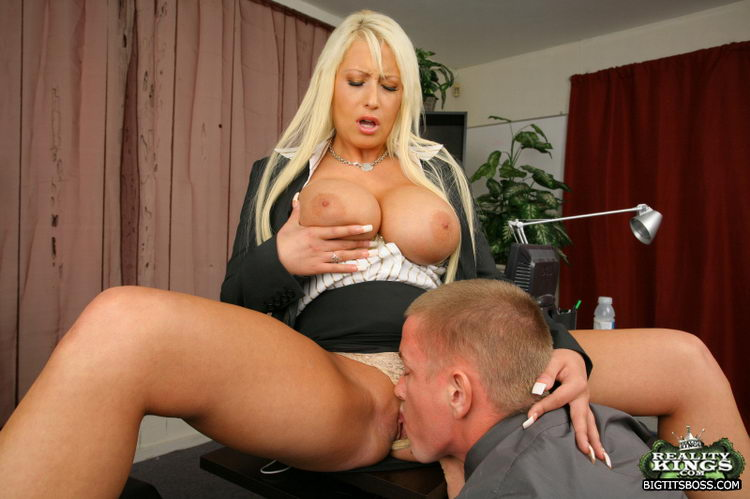 Big Tits Boss / Sandy