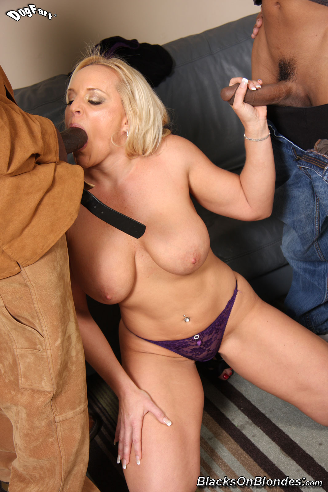 Busty blonde milfs have a threesome