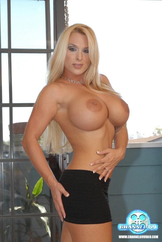 Natural tits bodybuilder