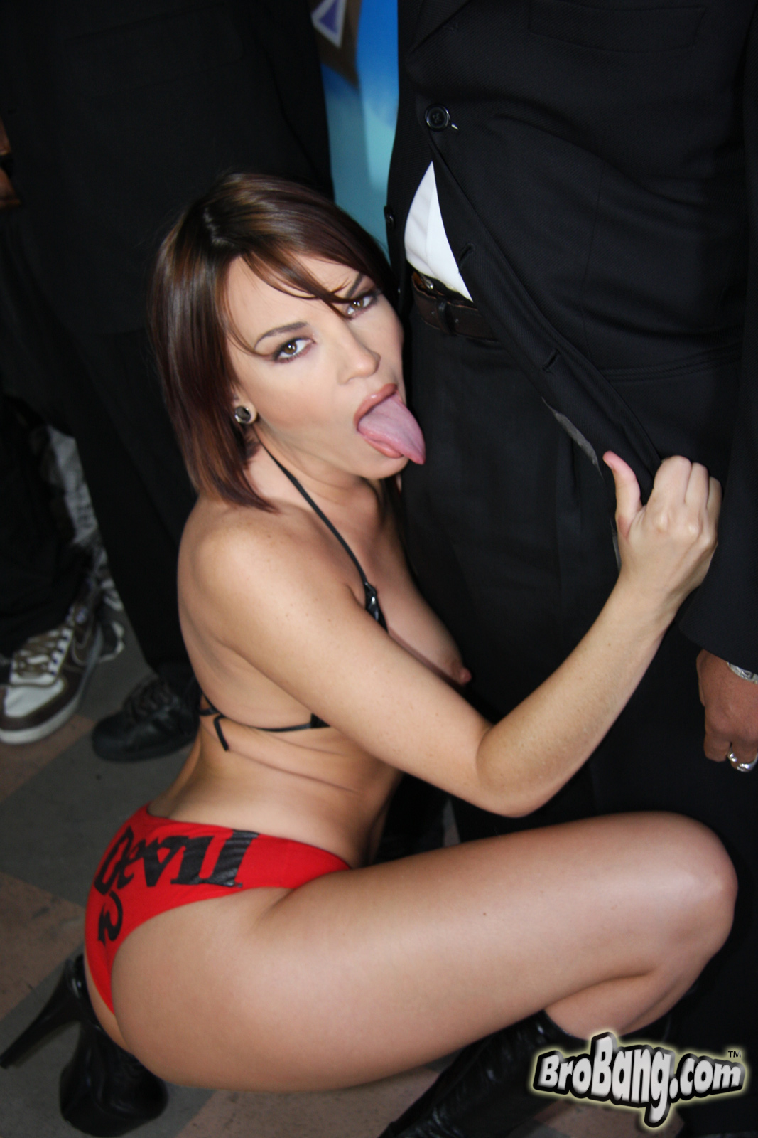 Free nasty lesbian pictures and videos