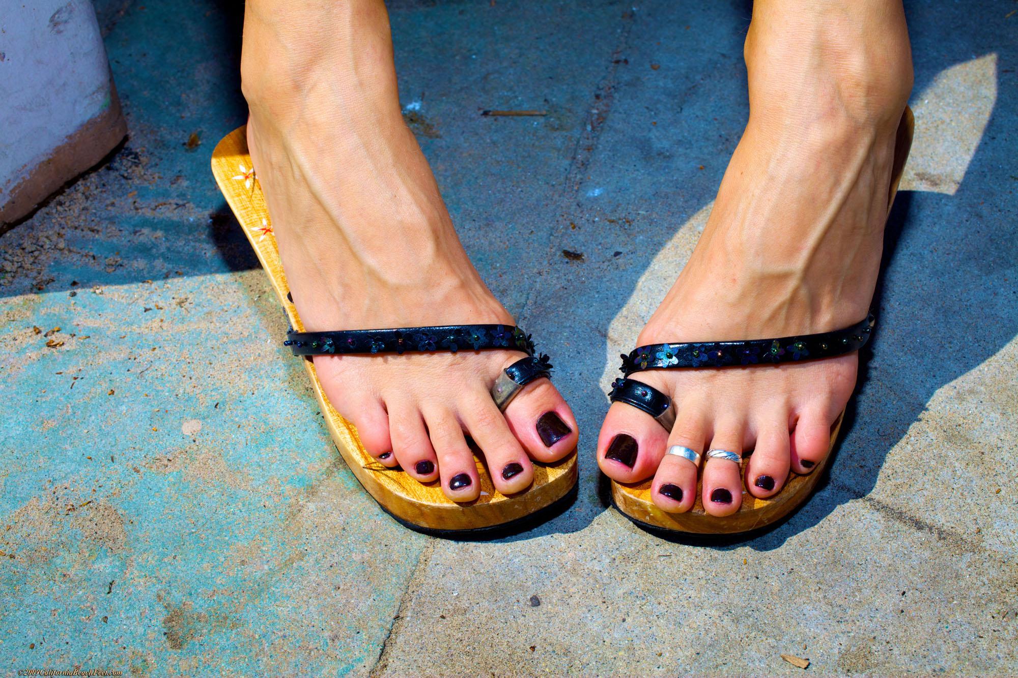 Beach feet porn