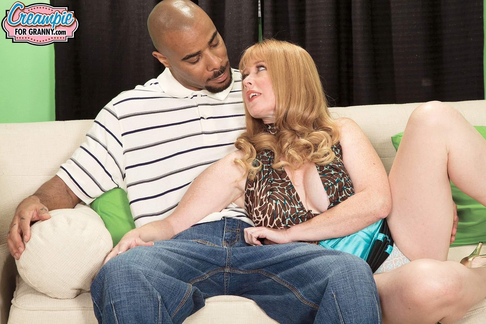 juicy titty white mature lady heather barron wants to ride her black