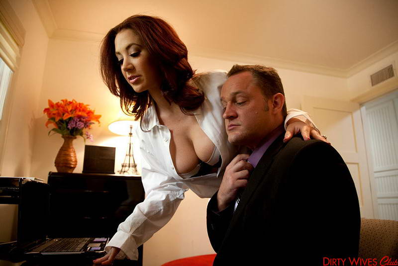 Dirty Wives Club / Jayden Jaymes