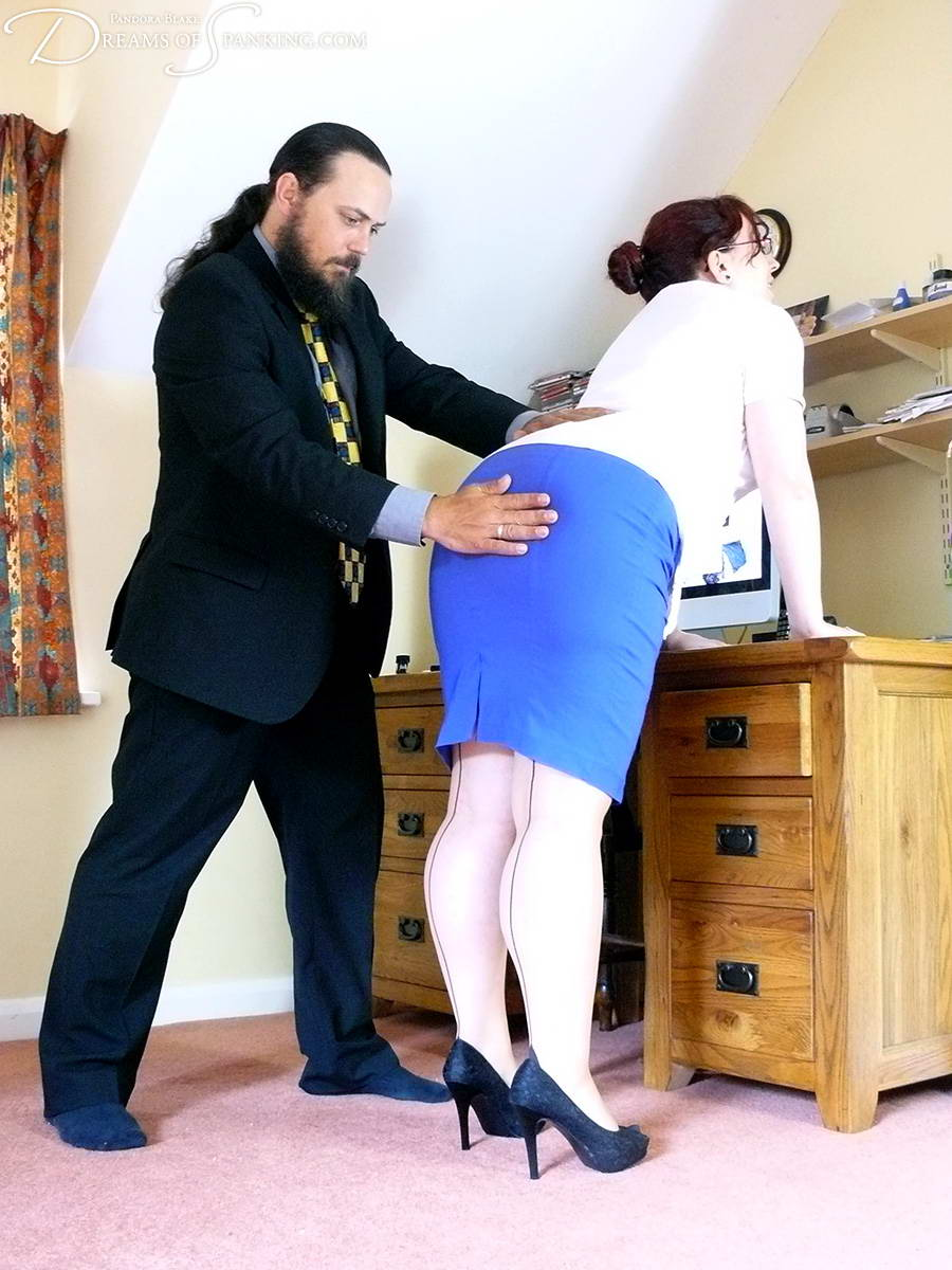 Old!! Spank her ass mercilessly body sexy