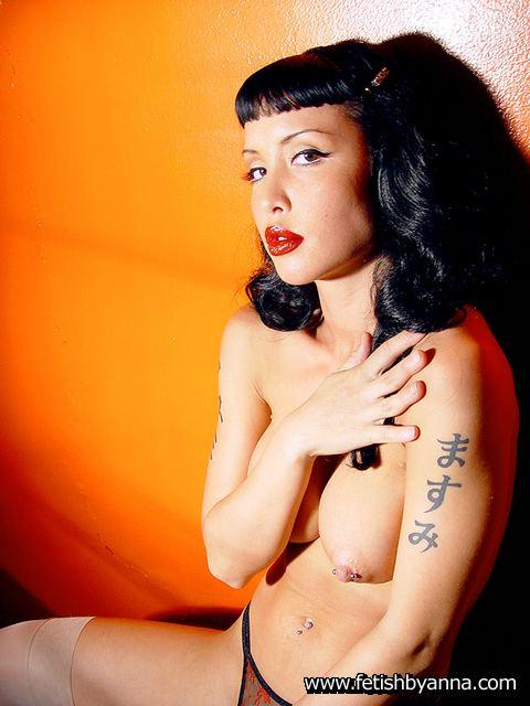 skinny naked tattoo girls