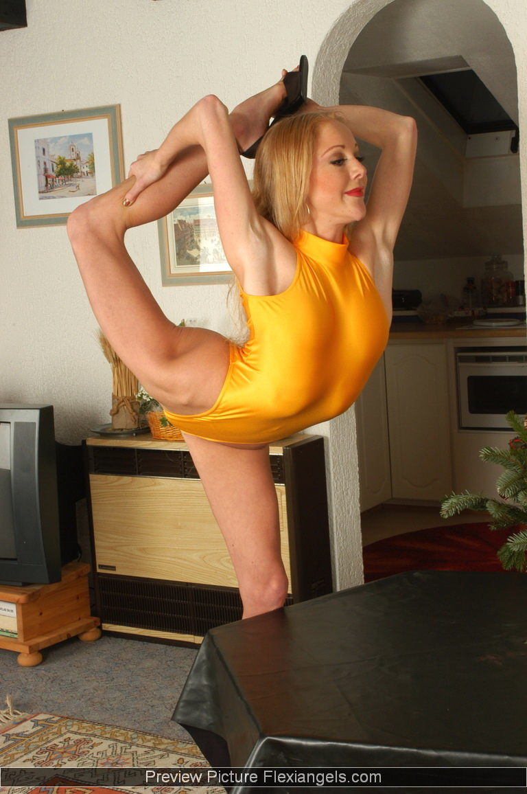 Flexi Angels / Karen