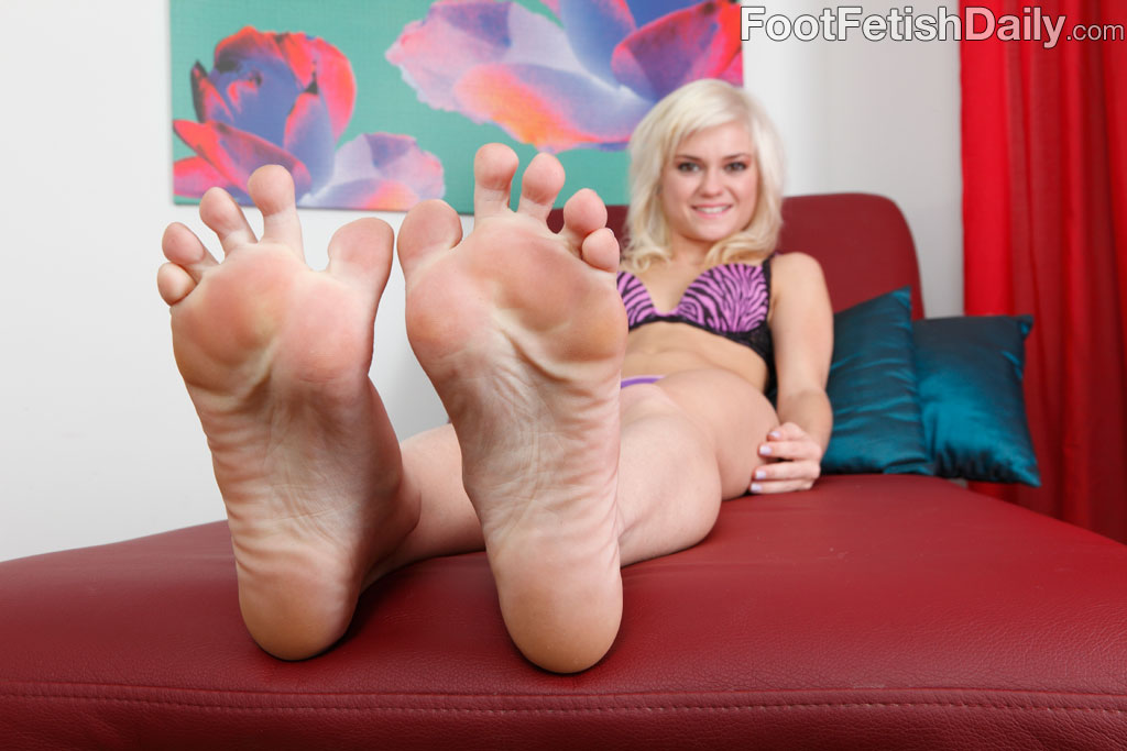 Foot up cunt
