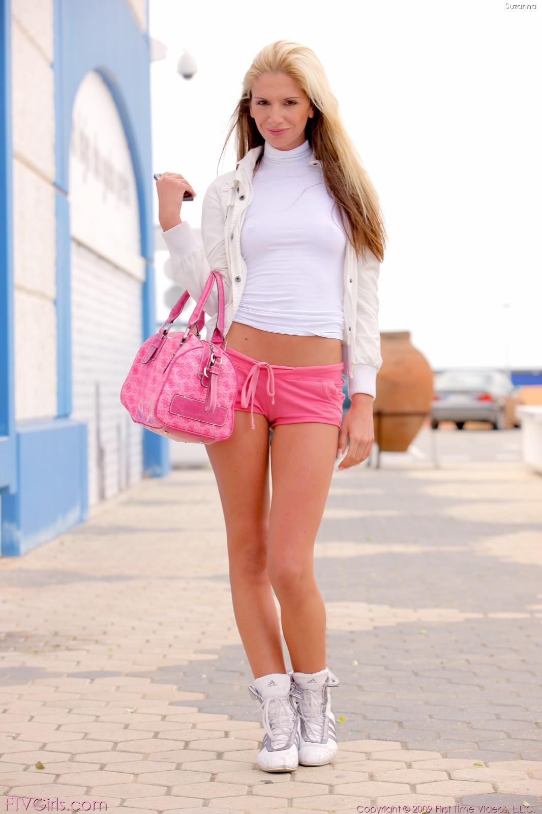 Teen blonde pussy shorts peachez