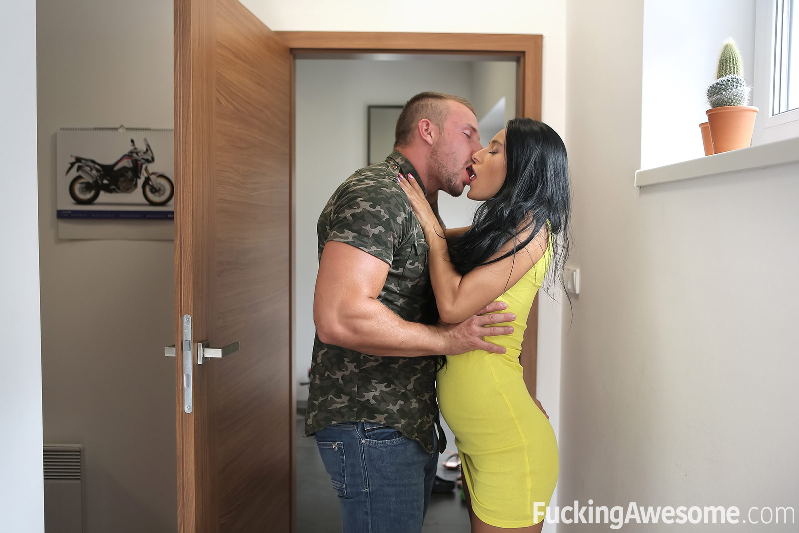 Fucking Awesome Network / Lexi Dona
