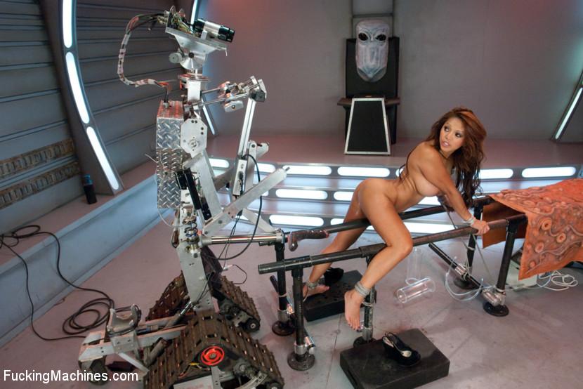 Секс роботы видео ролик