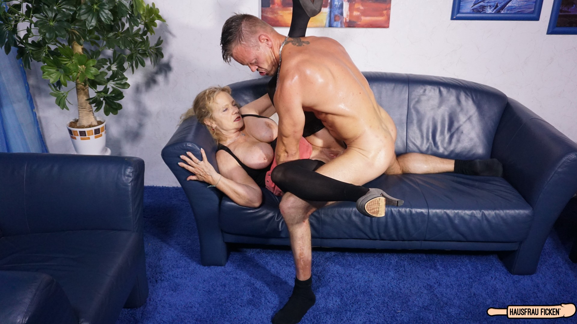 Milf sonia is fucked hard and got to squirt - 2 3