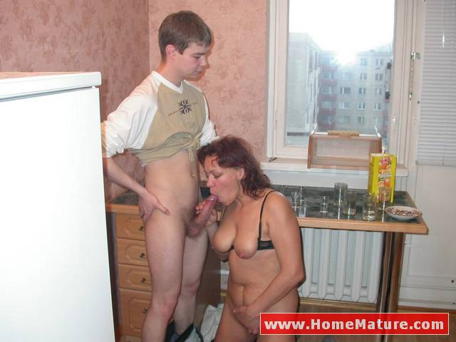 фото как мамаша и сынок ебуца