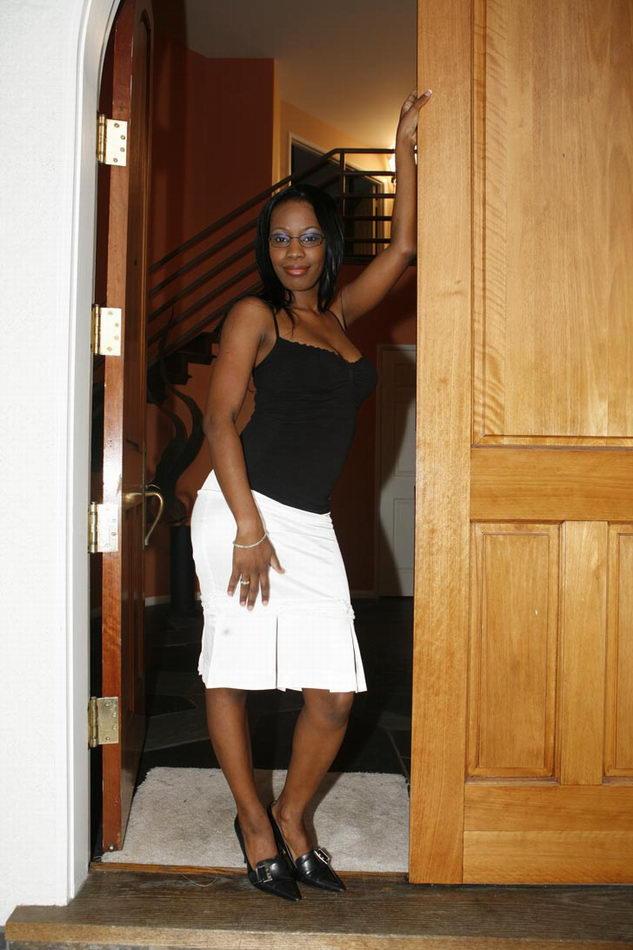 Horny Black Mothers / Armani