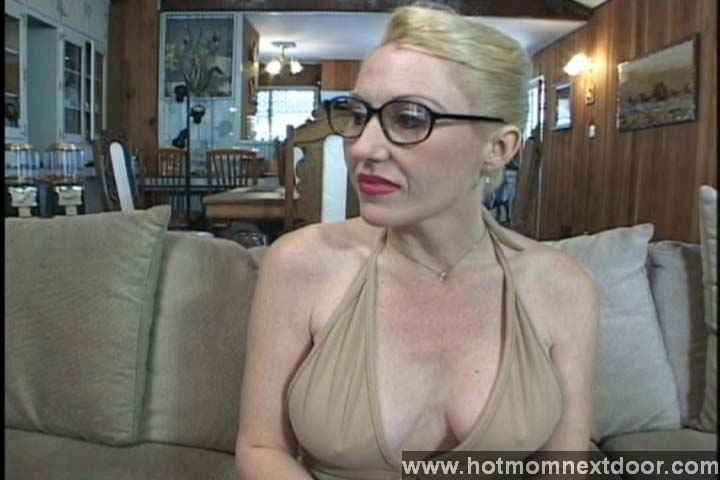 Mom in glasses get a monster black cock fucking from blackzilla