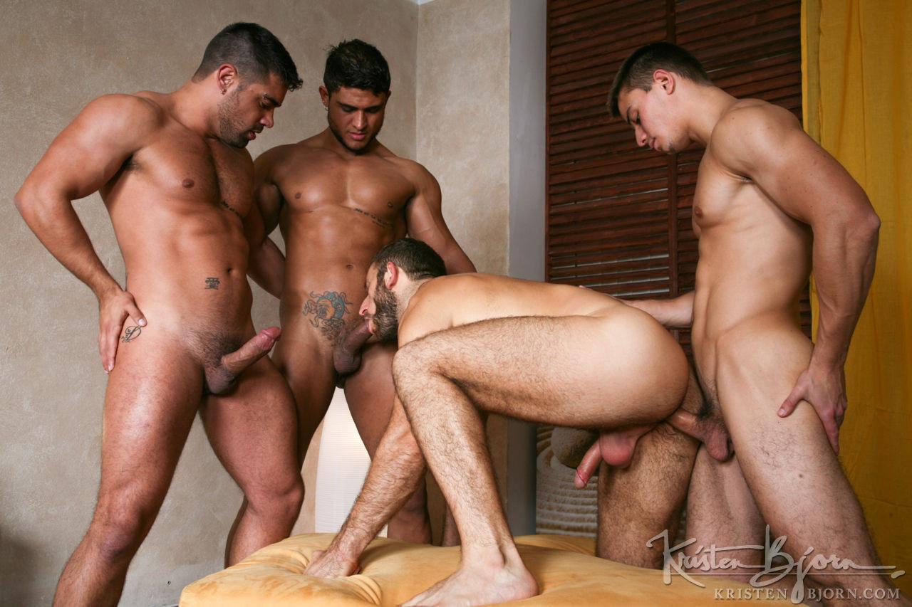 Смотреть бесплатно фото голых мужиков