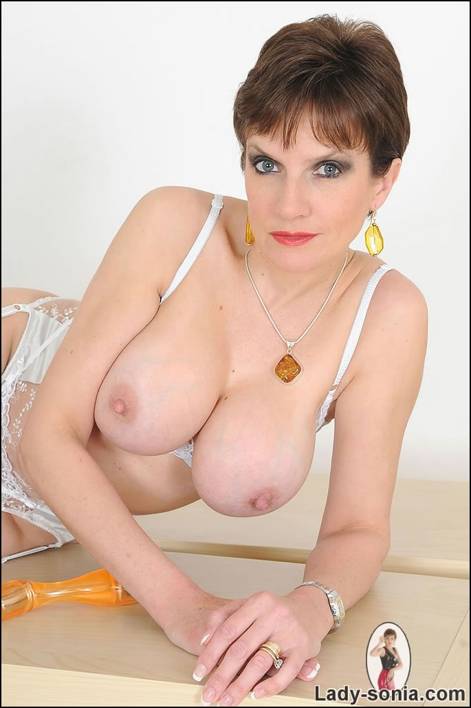 Show me women with big clits-7720