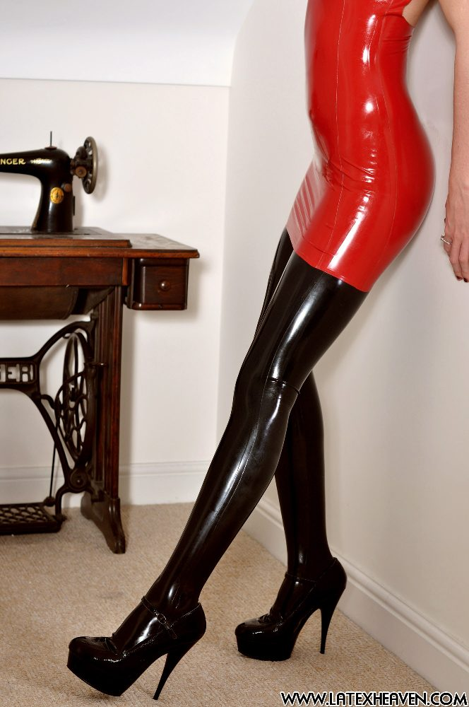Latex Heaven / Olivia