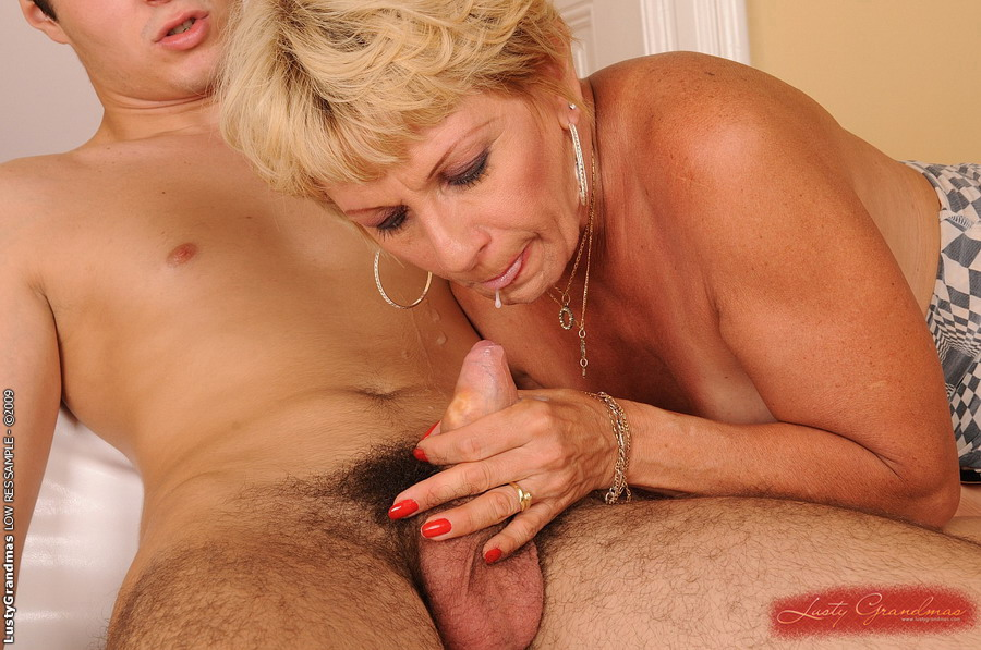 Mature women personals-3177