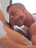 Two sex hungry gay hunks get their fuck session started in the bathtub