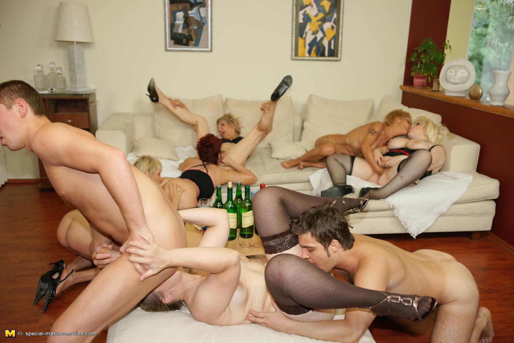 Руское зрелое груповое порно 13 фотография