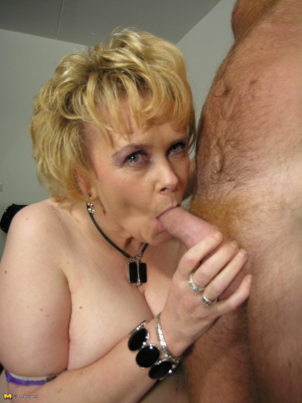 Mature cocksucking porn