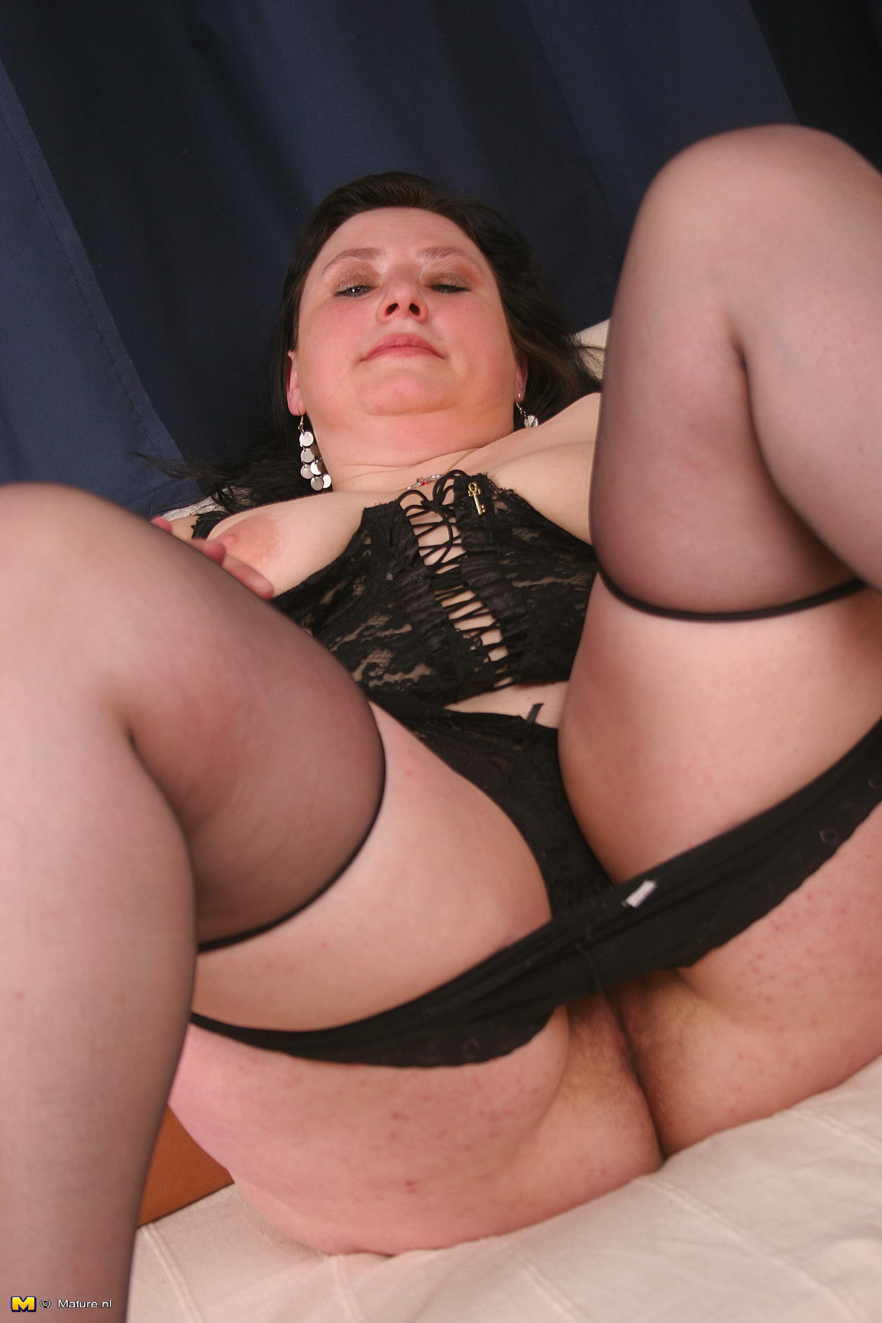 Over 60 mature model pearl shows us her granny body and pier - 2 part 10