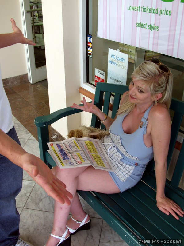 Heather carolin masturbates in latex boots 6