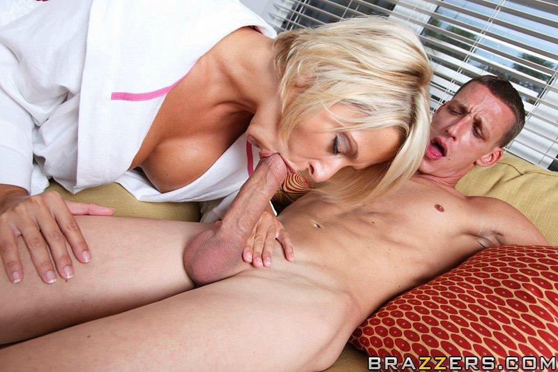 Lesbian milf seduces daughters friend