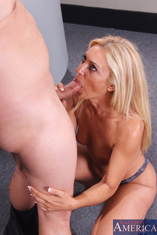Hot milf blonde mom porn