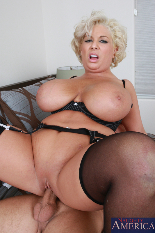 Wendy masturbate anal - 1 3