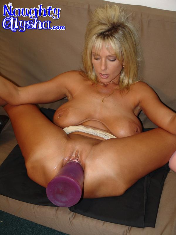 Blonde amateur ridding single cocks at home swingers - 3 part 1