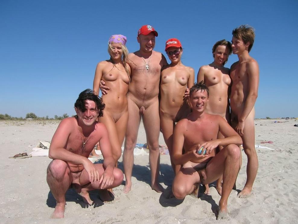 Gorgeous voluptuous woman naked