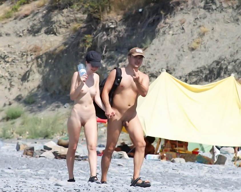 casual-nudist-gymnastic-leg-spread