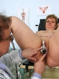 Chunky older woman gets nude to let doctor examine her experienced vagina