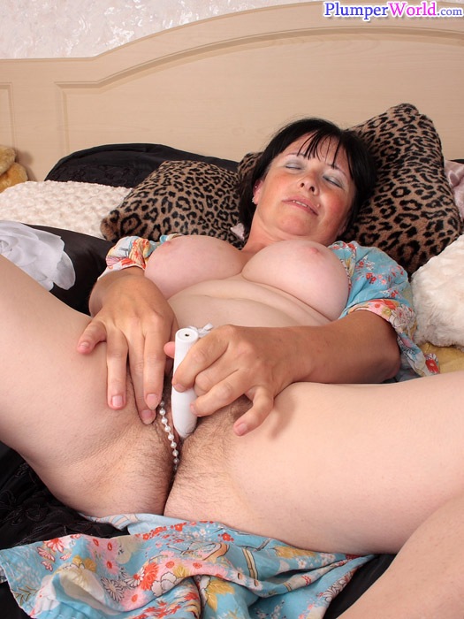 Ebony milf photo