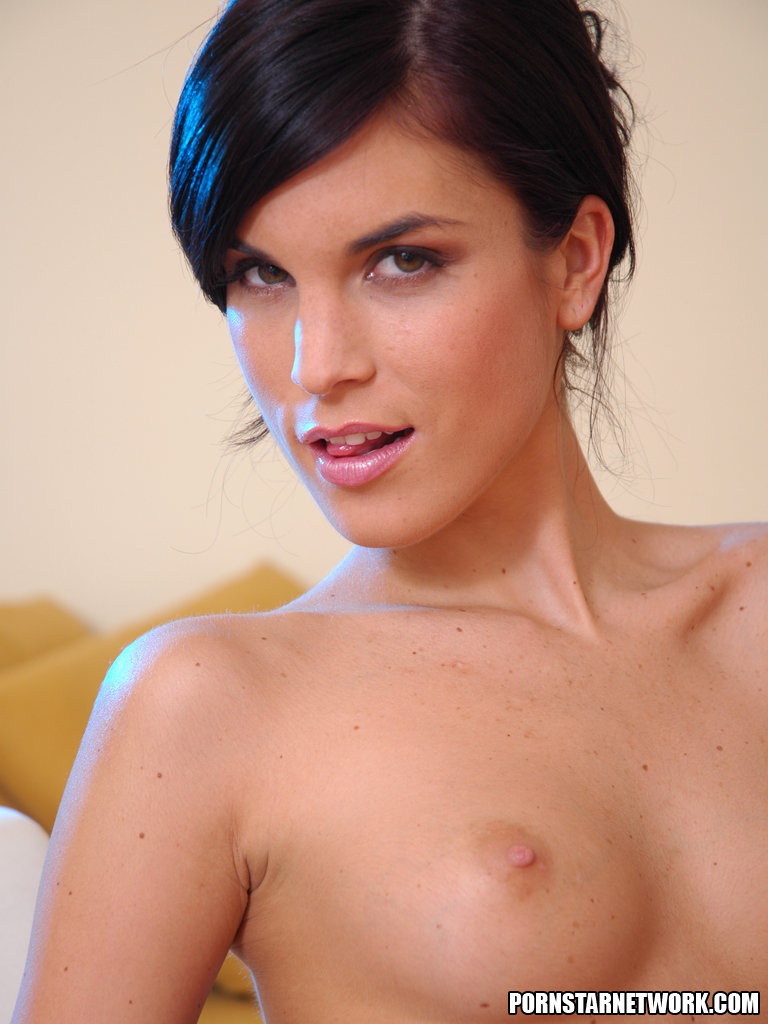 Pornstar Network / Nellie Hunter