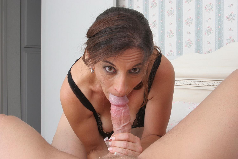 My girlfriends hot mom 2 pt1 10