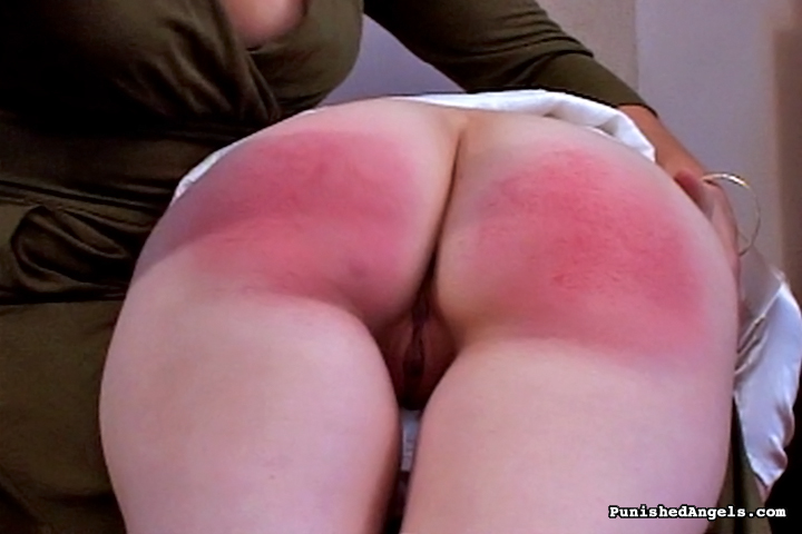 смотреть порно красная попа